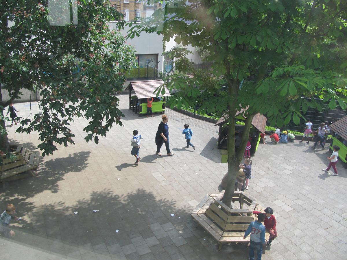 Ecole 6 maternelle - cour