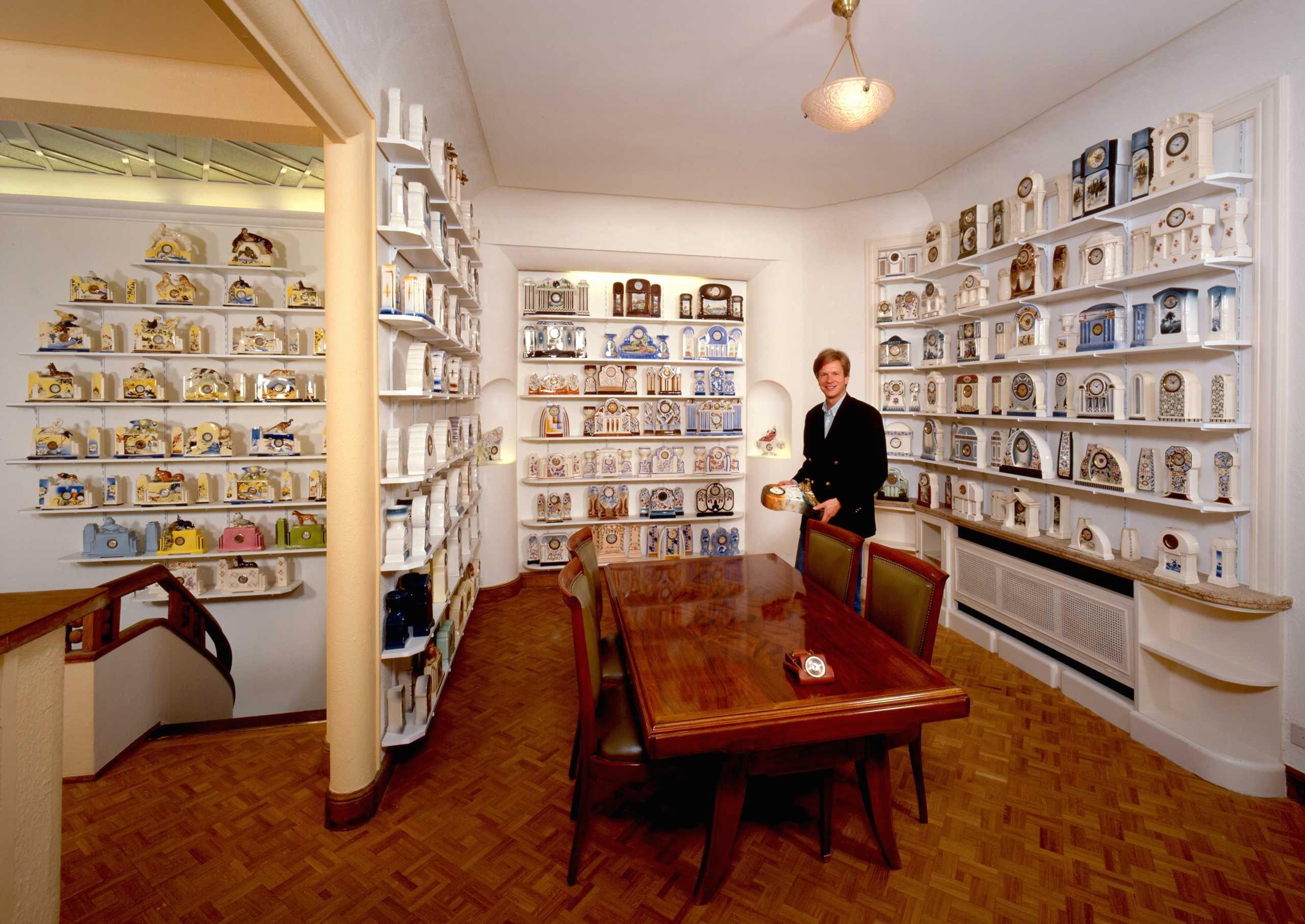 Salle des horloges en faïence tchèques